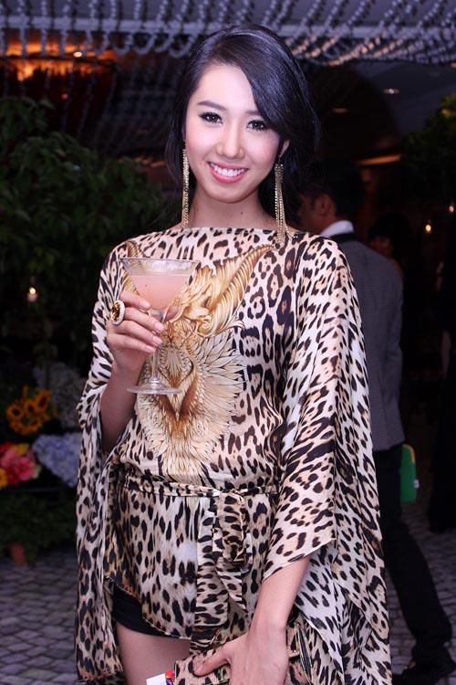 Mai Phương Thúy sexy váy hiệu trăm triệu - 16