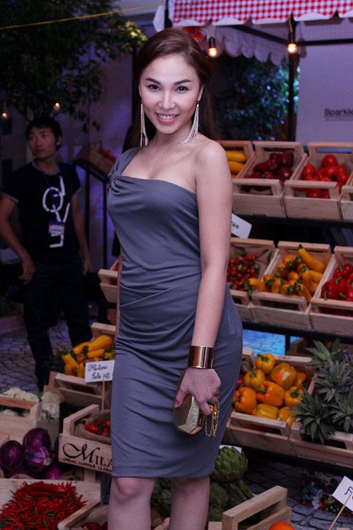 Mai Phương Thúy sexy váy hiệu trăm triệu - 13