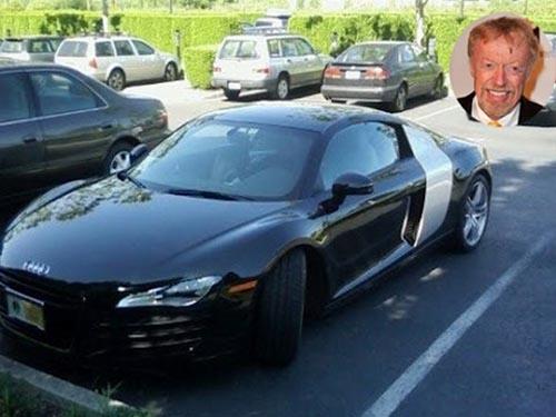 Những người giàu nhất thế giới đi xe gì? - 12