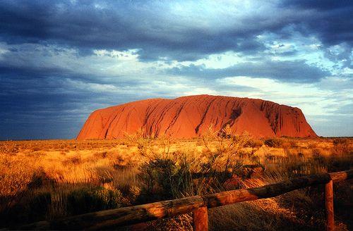 Uluru, ngọn núi bất phàm - 3