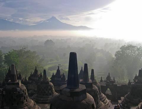 Đền Borobudur - kì quan Phật giáo lớn nhất thế giới - 1