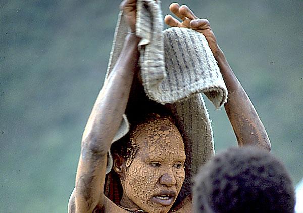 Điều chưa biết về bộ tộc nguyên thủy nhất - 11