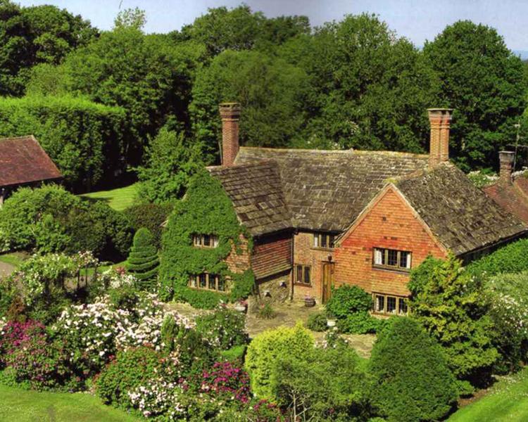 West Sussex là một hạt nổi tiếng của Anh.