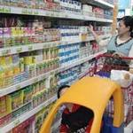 Thị trường - Tiêu dùng - Giá sữa Việt Nam ngược chiều thế giới