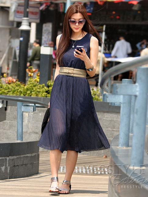 Mặc váy maxi mát dịu mùa hè - 7
