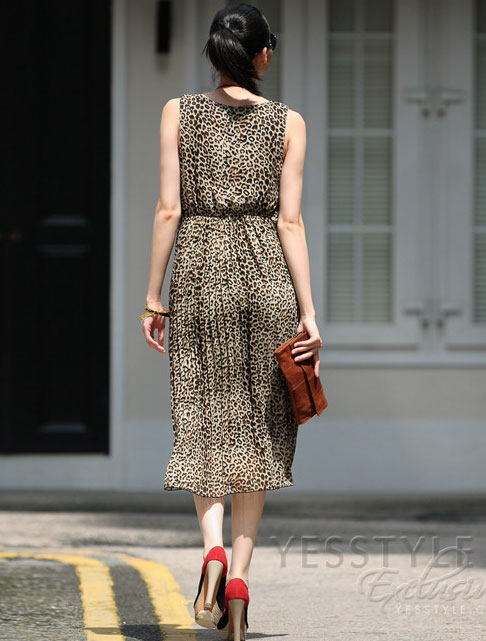 Mặc váy maxi mát dịu mùa hè - 14