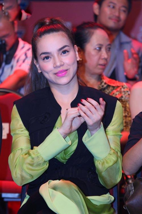Học sao Việt để tóc đẹp ngày hè - 12