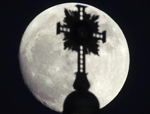 Ngắm siêu mặt trăng trên khắp thế giới - 5