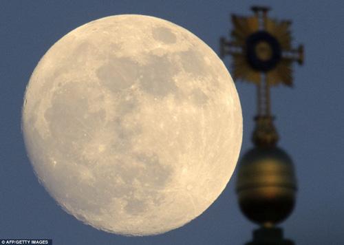 Ngắm siêu mặt trăng trên khắp thế giới - 4