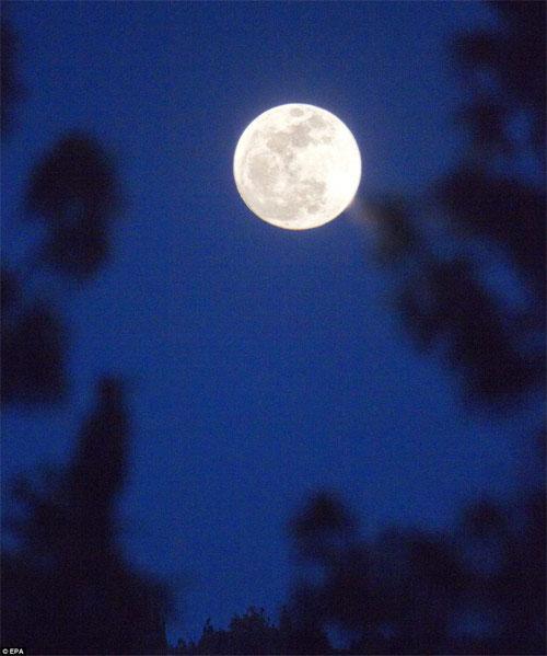 Ngắm siêu mặt trăng trên khắp thế giới - 12