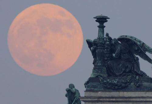 Ngắm siêu mặt trăng trên khắp thế giới - 6