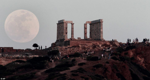 Ngắm siêu mặt trăng trên khắp thế giới - 2