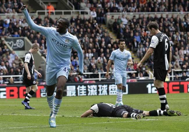 Yaya Toure là người hùng tỏa sáng giúp Man City có chiến thắng quan trọng