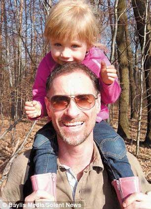 Kinh ngạc bé gái không có hệ miễn dịch - 2