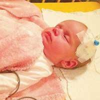 Kinh ngạc bé gái không có hệ miễn dịch