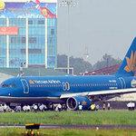 Tin tức trong ngày - Máy bay VNA gặp sự cố khi hạ cánh