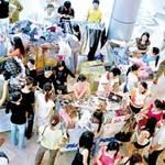 """Thị trường - Tiêu dùng - Thời trang thay """"mốt"""" khuyến mại"""