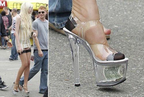 12 mẫu giày, guốc không thể bỏ qua - 12