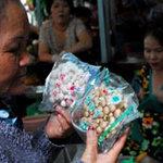 Thị trường - Tiêu dùng - Nhiều loại nấm ở chợ từ Trung Quốc