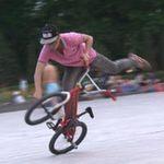 Bạn trẻ - Cuộc sống - Thử lửa mạo hiểm với dân chơi BMX