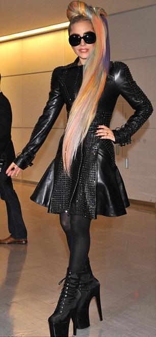 Lady Gaga lúc thanh lịch khi cá tính - 4