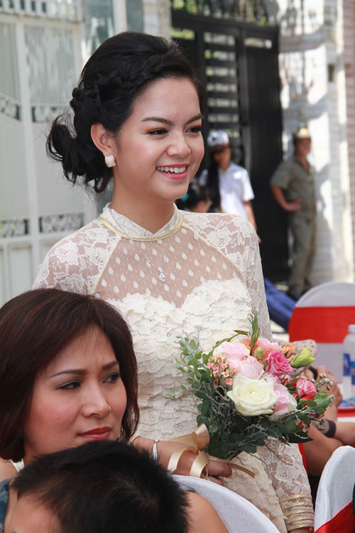 Phạm Quỳnh Anh e ấp làm cô dâu - 5