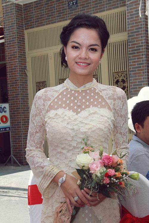 Phạm Quỳnh Anh e ấp làm cô dâu - 7