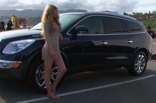 Siêu mẫu Secret 'sexy' trong quảng cáo Buick - 1