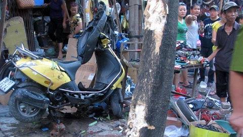 Xe ôm nổi hứng lái taxi gây tai nạn - 1