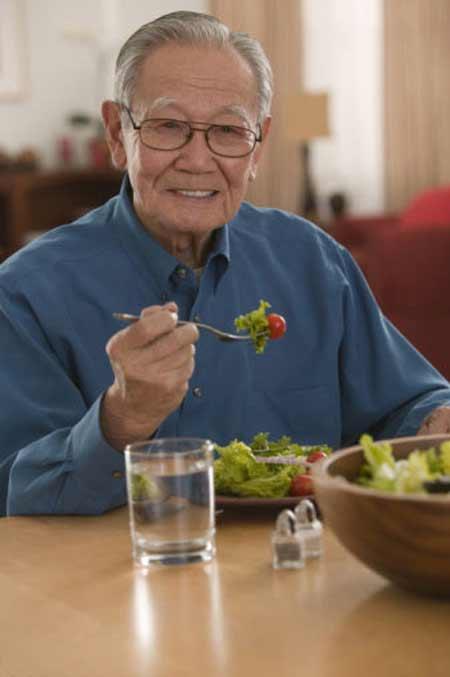Người lớn suy dinh dưỡng đông không kém trẻ em - 2
