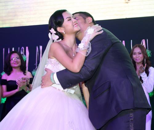 Độc, lạ đám cưới Quỳnh Anh - 10