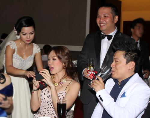 Độc, lạ đám cưới Quỳnh Anh - 12