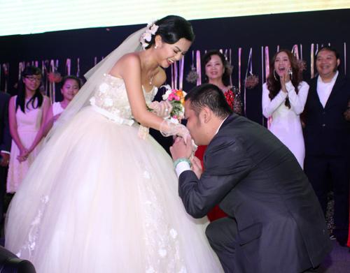 Độc, lạ đám cưới Quỳnh Anh - 16