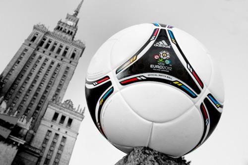 Trái bóng Euro mang tên Tango 12 finale - 2