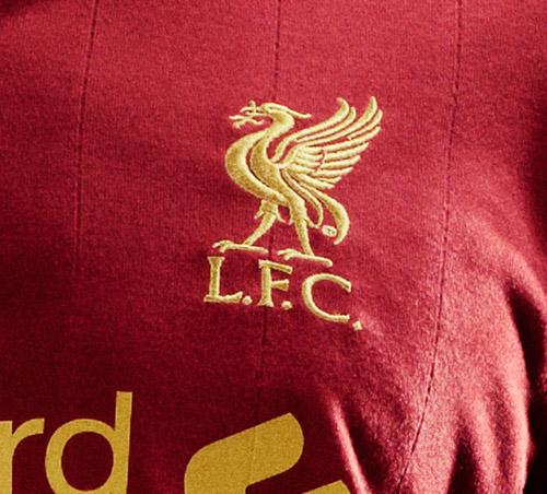 """Liverpool quảng cáo áo đấu """"phù thủy"""" - 8"""