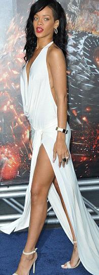 Rihanna táo bạo khoe 90% cơ thể - 7