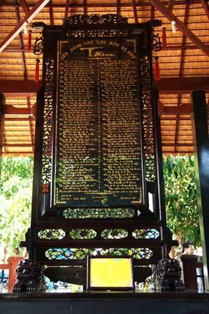 Bức tranh thư pháp có chữ Tâm nhiều nhất Việt Nam - 1