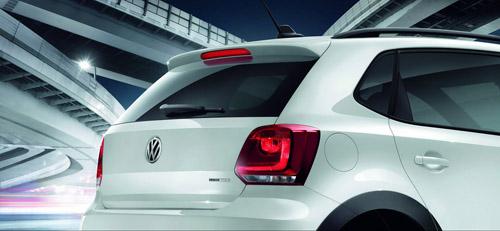 VW CrossPolo Urban màu trắng tinh khôi - 3