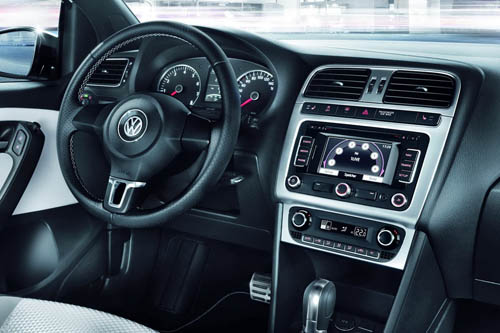 VW CrossPolo Urban màu trắng tinh khôi - 5