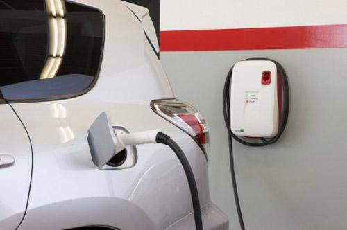 RAV4 EV 2012 – Xe đa dụng không dùng xăng - 4