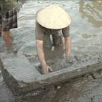 Tin tức trong ngày - Đào ao, phát hiện mộ cổ từ thời Đông Sơn