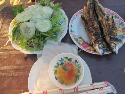Về bãi Rạng ăn cá chuồn xanh nướng - 1