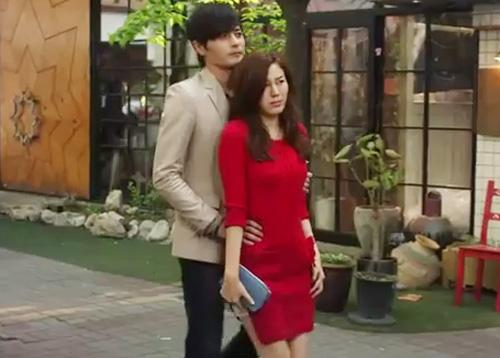 Jang Dong Gun kéo tuột váy người đẹp - 2