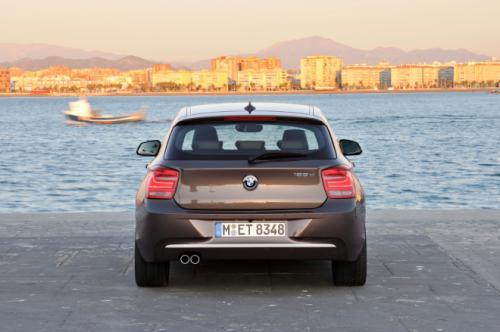 Khám phá BMW 1-series bản 3 cửa - 8