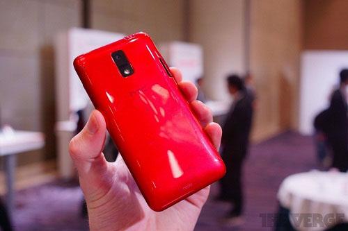 Trên tay HTC J - 4