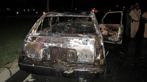 TP.HCM kết luận cháy xe do xăng dỏm - 1