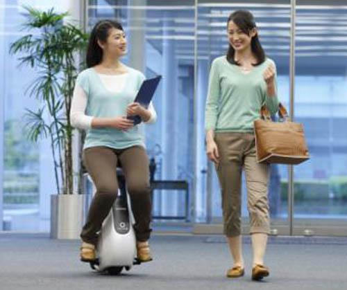 Honda UNI-CUB: phương tiện di chuyển cá nhân mới - 1