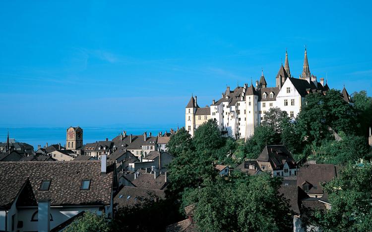 Ở Neuchâtel, phần lớn cư dân đều nói tiếng Pháp.