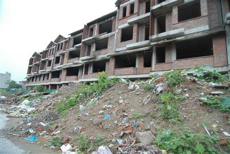 Chung cư, biệt thự …thành bãi rác - 1
