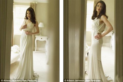 HOT: Jolie-Pitt lộ ảnh cưới giả - 2